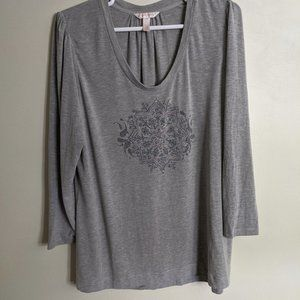Cacique Gray Long-Sleeved Graphic T-shirt